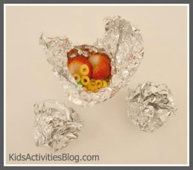 making-foil-balls-2