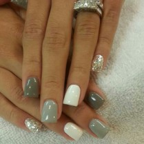 White-Grey-and-Green-Nails
